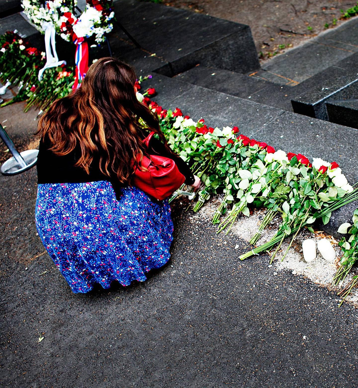 Etter 22. juli kom alle rosene. Siden kom poesien.                                           FOTO: BRIAN CLIFF OLGUIN