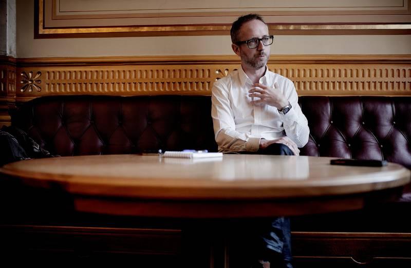 Medlem av utenriks- og forsvarskomiteen og kontroll og konstitusjonskomiteen Bård Vegar Solhjell (SV) mener forsvarssalget er en skandale hvor mediene burde ha jaget i flokk.  FOTO: HILDE UNOSEN