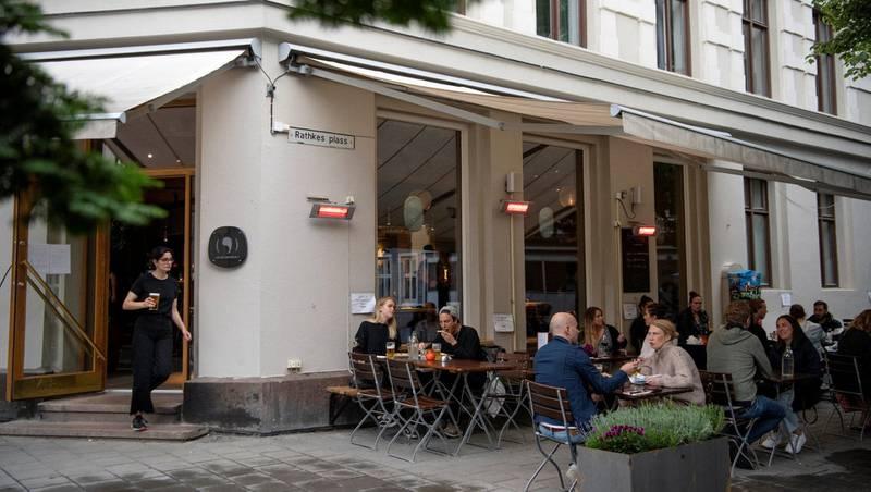 Byløven kan nesten ikke styre sin begeistring over at lokalene etter restauranten Egget igjen er fylt med liv. Alle foto: Mimsy Møller