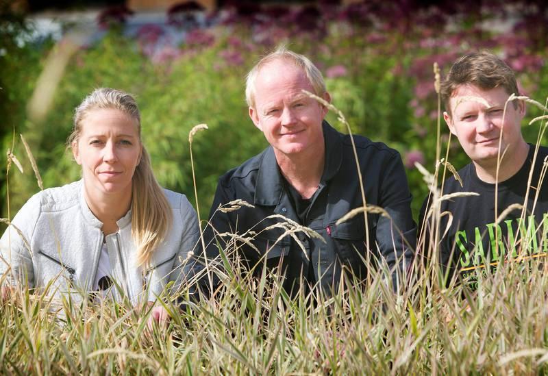 – Dette er svært alvorlig, sier (f.v.) Nina Jensen i WWF-Norge, Lars Haltbrekken i Naturvernforbundet og Christian Steel i SABIMA, om regjeringens mange naturskadelige vedtak. FOTO: ARNE OVE BERGO