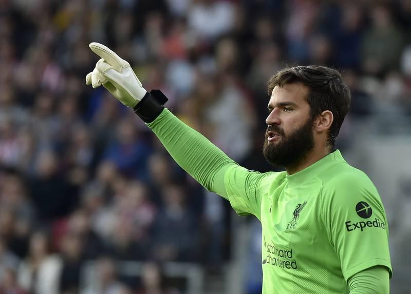 Alisson Becker får kort tid mellom torsdagens Brasil-kamp mot Uruguay og Liverpools bortemøte med Watford lørdag. Foto: Rui Vieira / AP / NTB