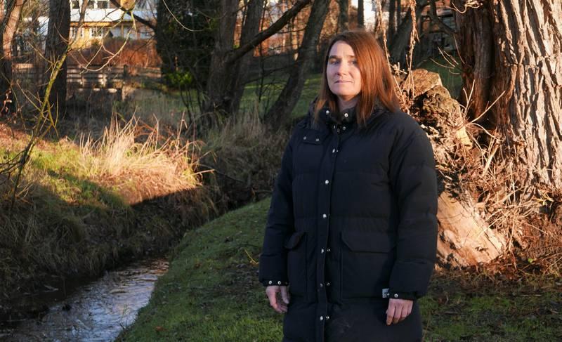 Virksomhetsleder Marie Lindén ved Krise- og incestsenteret i Fredrikstad forteller om hvor omfattende vold i nære relasjoner kan ramme voksne og barn.