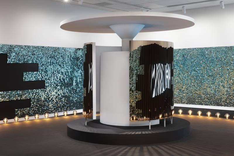 Børre Sæthres utstilling på Lillestrøms stolthet, Nitja, er en estetisk åpenbaring. «The Sound of the Atom Splitting» er en sterk kandidat til årets kunstopplevelse.