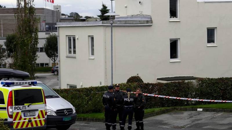 Politiet på stedet der kvinnen ble funnet død. Foto: Per Thime