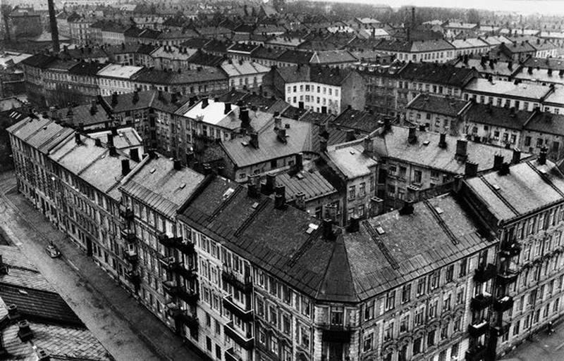 Marselis' gate og Fossveien på Grünerløkka i 1962, med de typiske kvartalene med murgårder på tre og fire etasjer som preger store deler av Grünerløkka.