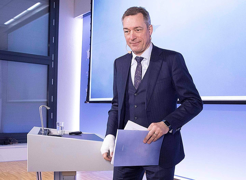 Forsvarsminister Frank Bakke-Jensen forsøker å skyve på tidsfristen for objektsikring i Forsvaret med ti år.