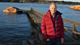 Arne bygde brygga for 30 år siden: – For en tidel av kommunens prisanslag skal vi få montert en ny!
