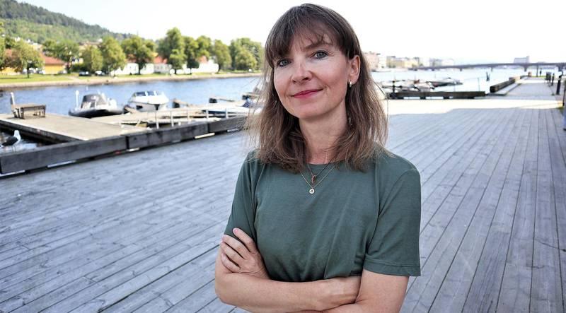 Ny politisk redaktør: Hege Breen Bakken er ny politisk redaktør i Drammens Tidende. Hun mener det er viktig å inkludere flere nye i debatten. FOTO: Jonathan Gaathaug Nielsen