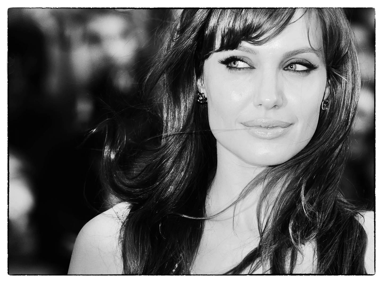 Svarthvitt bilde av Angelina Jolie, tatt av Rune Hellestad