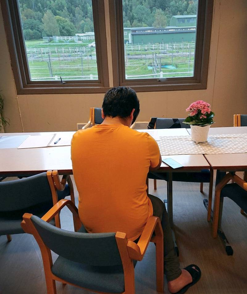 I dag bor det over 550 enslige mindreårige asylsøkere på norske mottak. Mer enn 300 av dem skal sendes ut når de fyller 18 år.