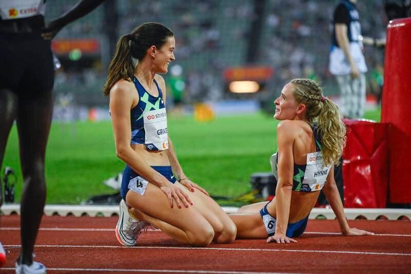 Kate Grace og Hedda Hynne etter 800m kvinner under Bislett Games. Et sterkt felt venter i Stockholm.