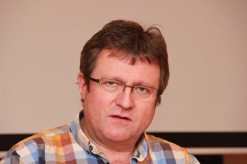 Roy Erling Furre, nestleder og HMS-ansvarlig i fagforeningen Safe, er ikke med på Ståle Kyllingstads spådommer om at offshore-arbeideren i framtiden vil erstattes av fjernstyring fra land.  Foto: Safe