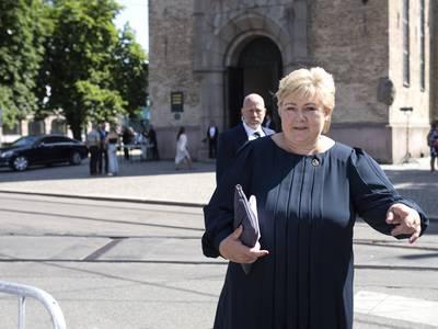 Gjenta etter Einar, Erna: «Det som kan true det norske folkets frihet og demokrati – det er den fare som…»