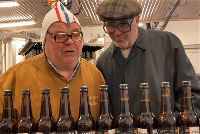 – Nå er Kai & Kai på flaske Kai! Ja, Kai & Kai på flaske Kai.