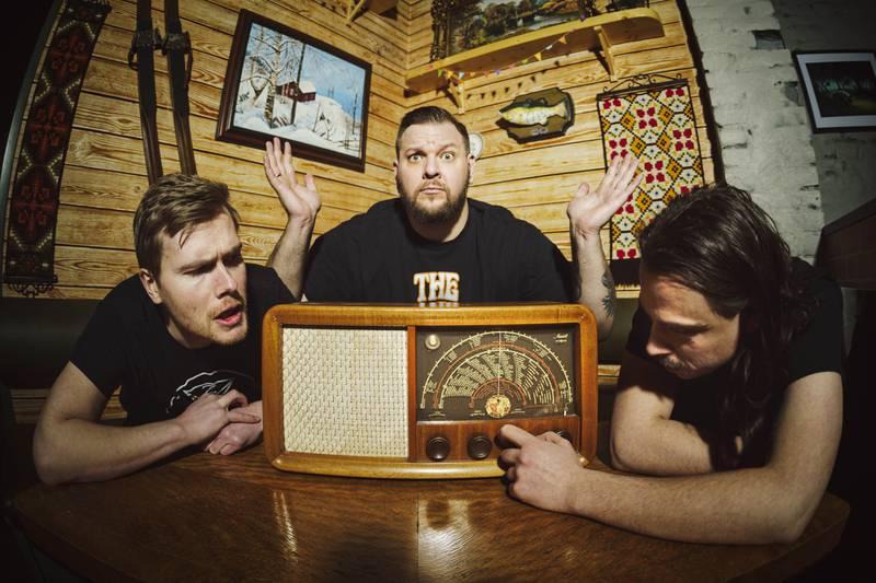 Heard it on the radio? Jørn Kaarstad (midten) med Bård Linga og Olav Dowkes.