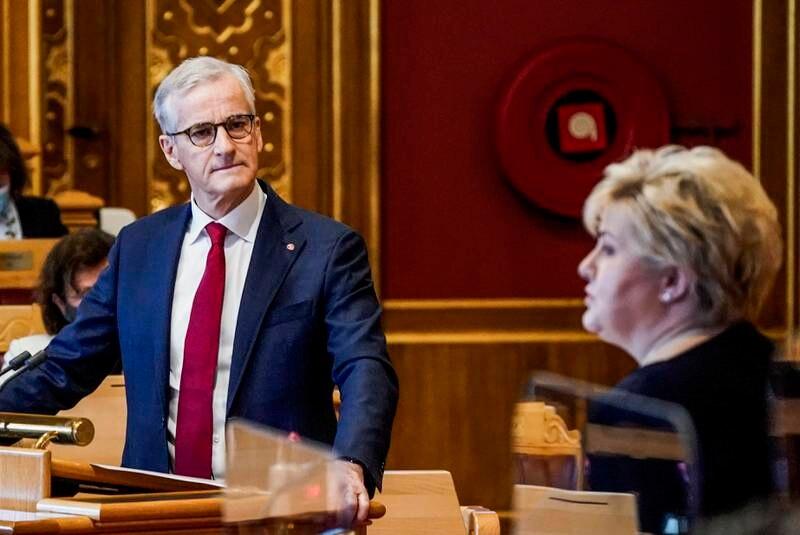 Erna Solberg har gitt millionstøtte til HRS i åtte år. Det kommer ikke Jonas Gahr Støre til å gjøre.