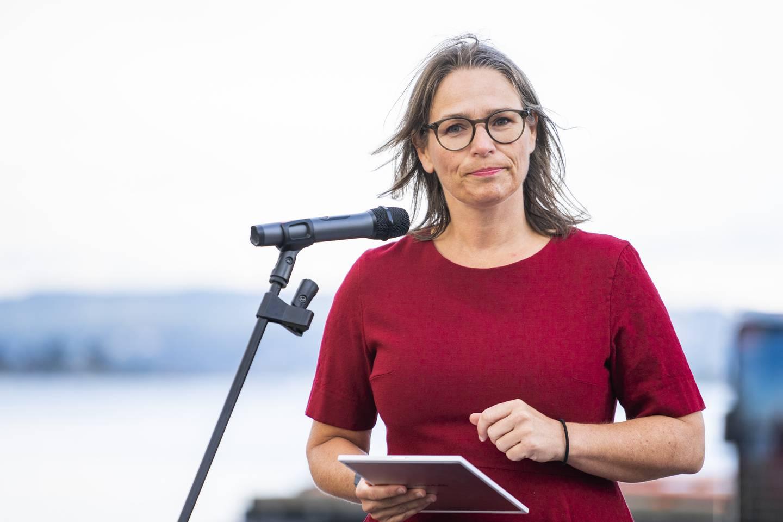 Oslo 20210806.  Arbeiderpartiets Trine Lise Sundnes lanserer planer for satsninger for vekst og arbeidsplasser i Oslo under et arrangement på Filipstadkaia i Oslo fredag formiddag. Foto: Håkon Mosvold Larsen / NTB