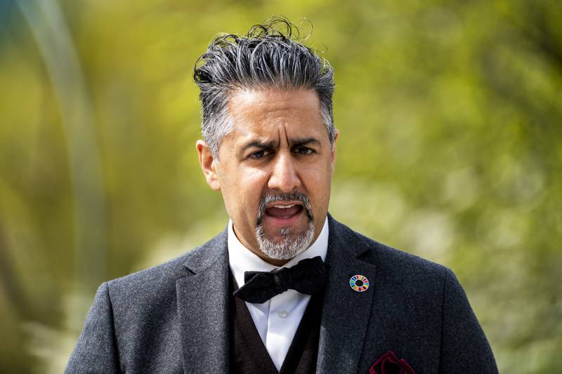 Kulturminister Abid Raja (V) er ikke særlig fornøyd med at Frp-leder Sylvi Listhaug støtter Fabian Stangs omstridte 22. juli-innlegg. Arkivfoto: Terje Pedersen / NTB