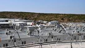 Hellas åpner høysikkerhets migrantleir på gresk øy