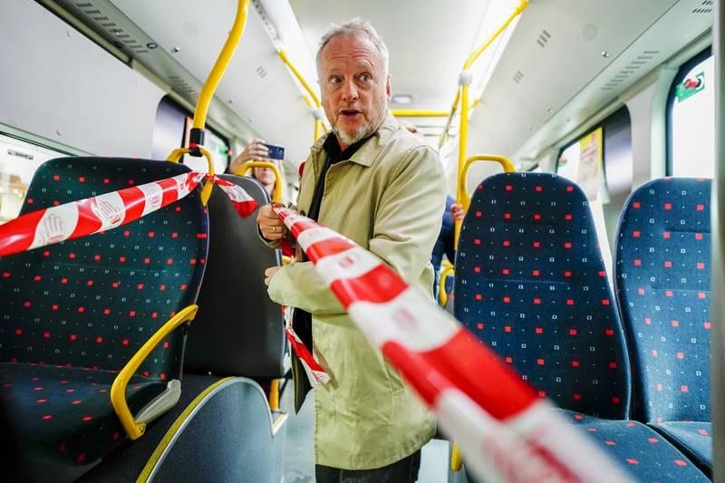 Byrådsleder Raymond Johansen (Ap) stilte på dugnad for å klargjøre kollektivtrafikken for en normal hverdag. Foto: Håkon Mosvold Larsen / NTB