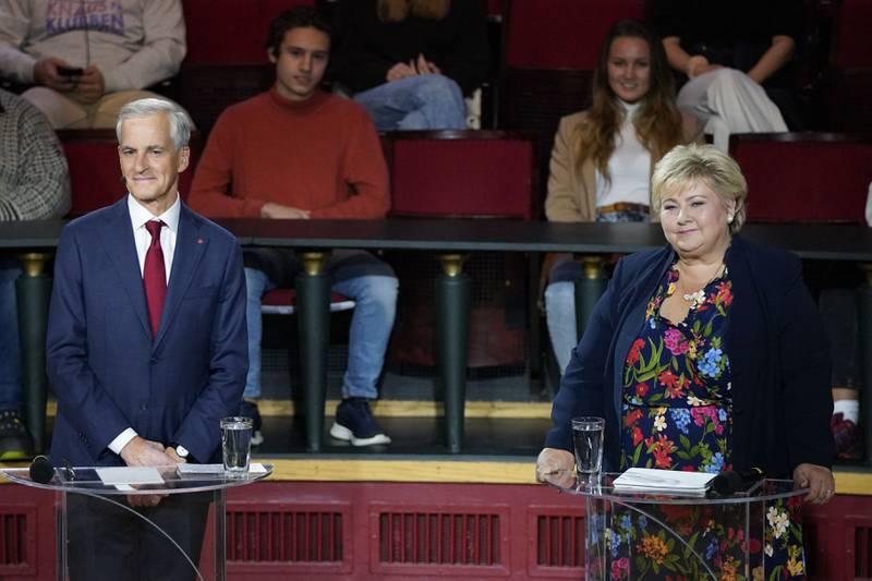 Ap-leder Jonas Gahr Støre og statsminister og Høyre-leder Erna Solberg på folkemøte på Studentersamfundet i Trondheim i regi av NRK.