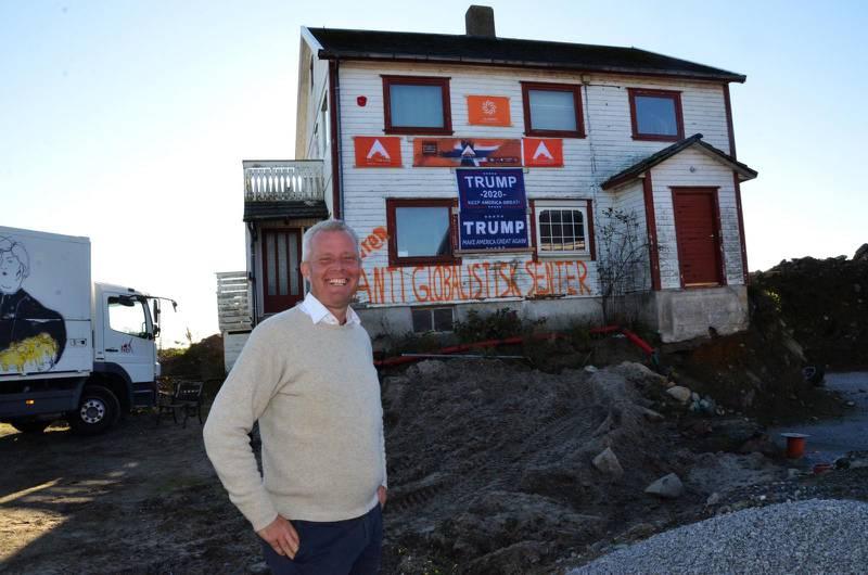 Hans Jørgen Lysglimt Johansen prøver å etablere Alliansen fra dette bolighuset på Hellestø i Sola. Foto: Arne Birkemo