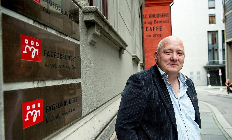 Roger Dehlin, leder for Fagforbundet i Oslo, mener kommunen må rydde opp snarest og si opp kontraktene med Aleris.
