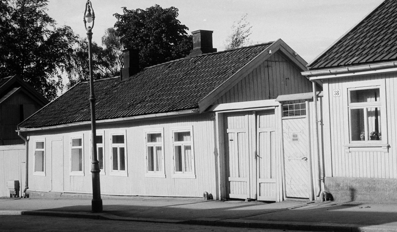 150 år: Huset, som ble revet i påsken i fjor, hadde en lang historie i Vålerenga-miljøet. FOTO: OSLO MUSEUM