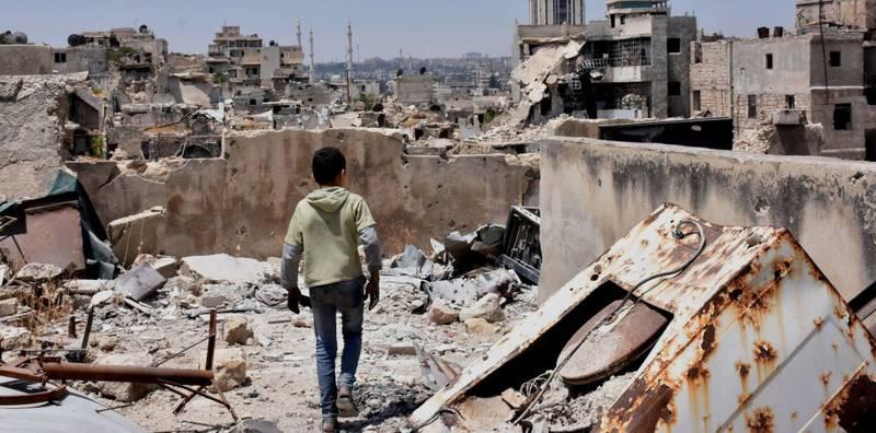 Lina Sergie Attar bodde store deler av barn- og ungdommen i storbyen Aleppo. Hun var der sist gang i 2011, da opprøret hadde begynt. I dag er deler av Aleppo en by i ruiner, etter mange års kamper. Assad-regimet vant tilbake kontroll over hele byen i desember i fjor. Dette bildet er tatt i sommer.