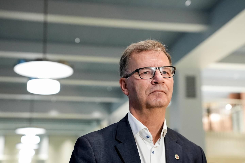 Oslo 20200928.  Helsebyråd Robert Steen (Ap) orienterer pressen om koronasituasjonen i Oslo. Foto: Fredrik Hagen / NTB