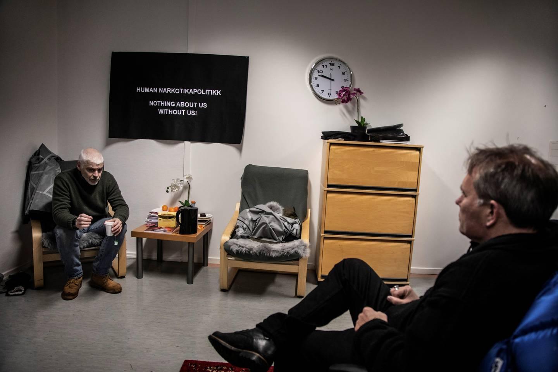 Petter Eide (SV) og Arild Knutsen diskuterer betydningen av Rusreformutvalgets forslag.