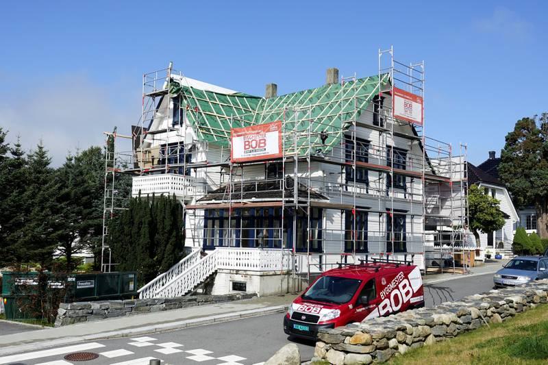Villaen i Olav Nilssons gate 52 ble solgt for 8,8 millioner i sommer. Boligen ble lagt ut for salg første gang i januar 2015, da med en prisantydning på 13 millioner. Foto: Roy Storvik