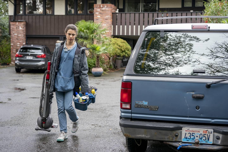 Margaret Qualley har hovedrollen som Alex i den gode dramaserien «Maid» på Netflix.