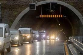 Tunnel åpen igjen etter trafikkuhell