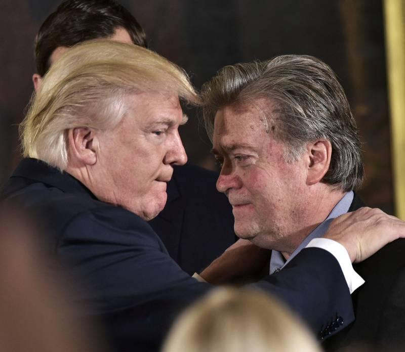 Fra den gang de var allierte. Nå prøver Donald Trump å stanse boka «Fire and Fury» av tidligere rådgiver Steve Bannon.
