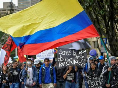 Demonstranter sier «nok er nok» i Colombia