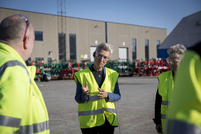 LO-leder Peggy Hessen Følsvik på besøk hos Kverneland Group.
