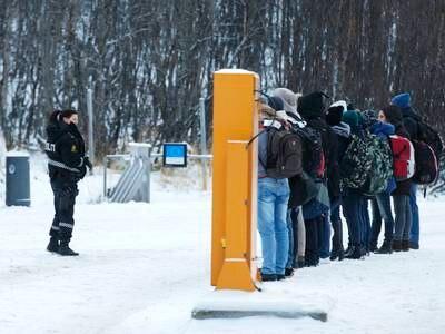 Erna Solberg: Regjeringen vurderte å stenge grensen til Russland