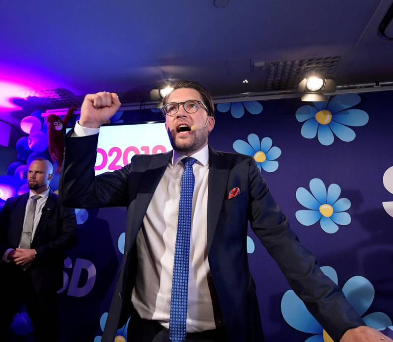 Vokser: Sverigedemokraternas partileder Jimmie Åkesson har skapt trøbbel       for de andre partiene som alle avviser samarbeid med ham. Høyrepopulisters framgang over hele Europa kan føre til rekordoppslutning i vårens EU-valg. FOTO: ANDERS WIKLUND /NTB SCANPIX