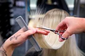 Likestillingsombudet: – Ulovlig med kjønnsstyrte frisørpriser