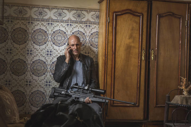 Mark Strong er handlekraftig MI6-veteran som må ut i felten igjen i denne høyst brukbare spionthrilleren.
