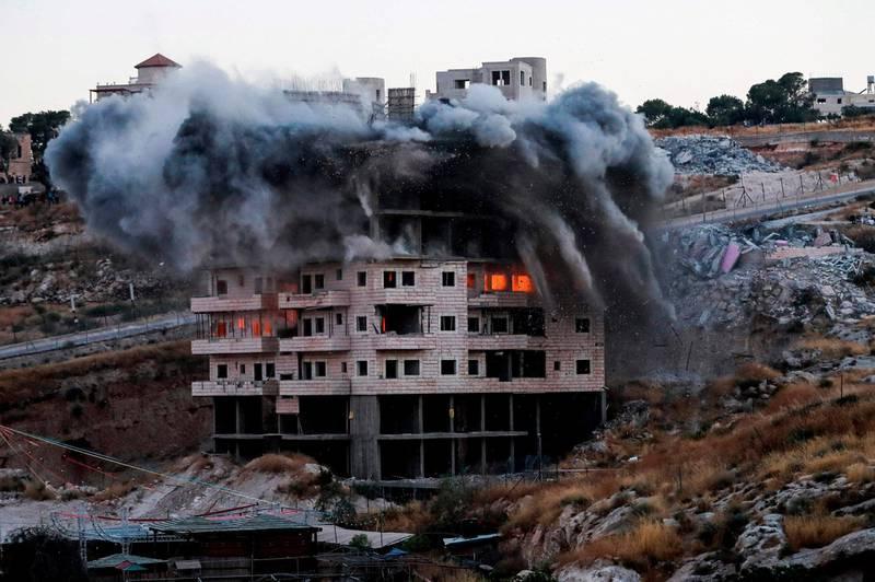 Et palestinsk hus under bygging i Øst-Jerusalem ble revet mandag. Israel rev flere hus de mener er ulovlig bygget.