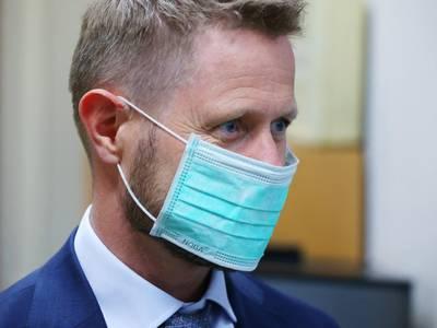 Helsetjenesten hadde munnbind for bare fire uker med forbruk