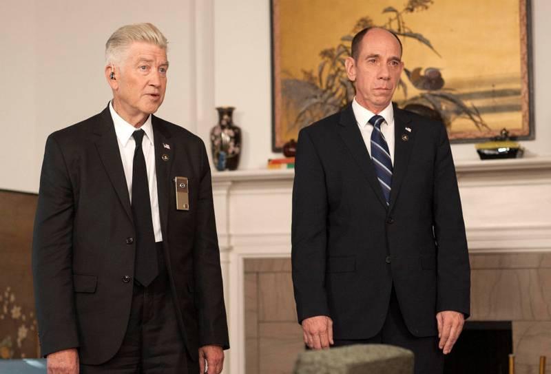 David Lynch (t.v.) selv har en birolle som FBI-agent i «Twin Peaks: The Return».