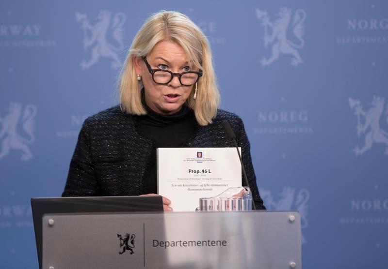 Oslo  20180316. Kommunal- og moderniseringsminister Monica Mæland legger fram forslag til ny kommunelov.  Foto: Vidar Ruud / NTB scanpix