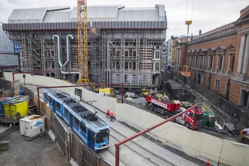 Byggeprosjektet på Stortinget har hatt flere sprekker.
