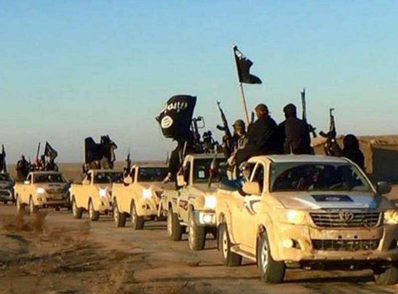 Terrorgruppa Den islamske staten (IS) har sitt hovedsete i byen Raqqa i Syria og har tidligere konsentrert angrepene mot mål i Syria og Irak. Flere nylige angrep tyder på at de utvider strategien, mener eksperter. FOTO: NTB SCANPIX