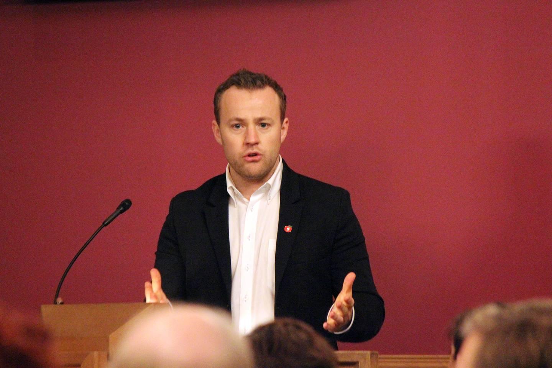 Lavrans Kierulf i Frp håper at Drammen kommune kan melde sin interesse om å få fengselet dit så snart som mulig.