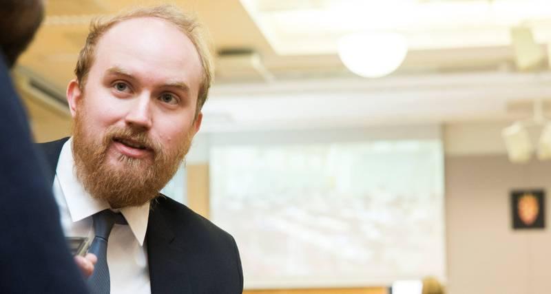 Utøya-overlever Bjørn Ihler jobber som teknisk produsent for nettstedet Resett, men skriver av og til også selv. Ihlers ambisjon for Resett er blant annet å gi en plattform til dem som ikke føler seg representert av mediene og politikerne.