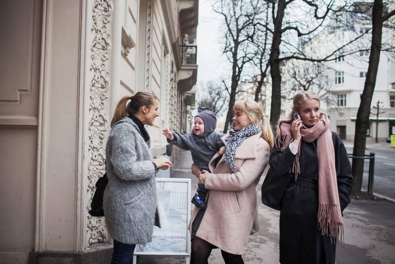 Moderne «hustruer»: f.v.: Anne Kjersti Suvdal, Cecilie Nilsen og Ida Johnsrud. FOTO: HILDE UNOSEN